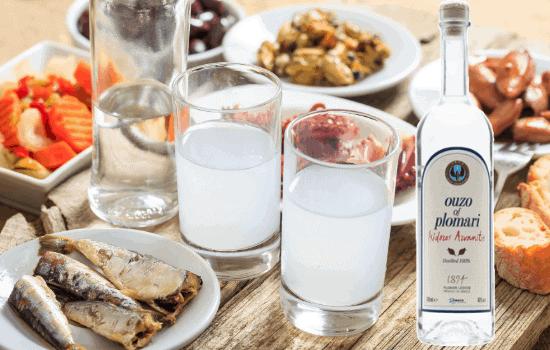 Ouzo ist eine der bekanntesten griechischen Spezialitäten
