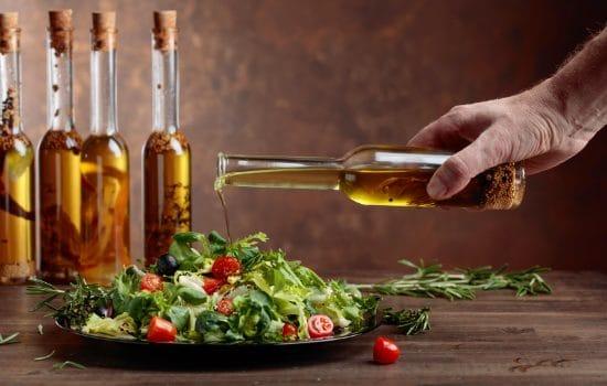 greek salad mit olivenol
